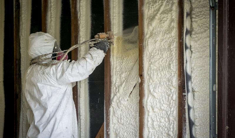 Ausschlaggebend für die Baukosten sind zum einen die Wahl des Materials, das zur Dämmung genutzt werden soll und die Menge, die benötigt wird. ( Foto: Shutterstock- Cire notrevo 7)